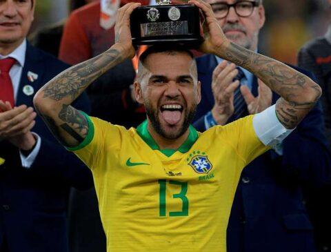 Dani_Alves_Brazil_Copa